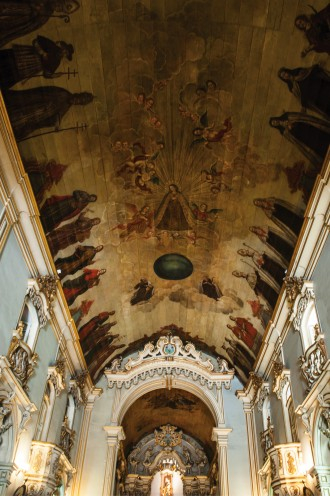 © LÉO RAMOS CHAVES...Igreja do Carmo, em São Paulo: pintura de Jesuíno do Monte Carmelo na nave…