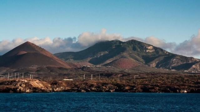 A Ilha da Ascensão fica localizada no meio do Atlântico entre Brasil e Angola - STEVE_IS_ON_HOLIDAY/GETTY IMAGES