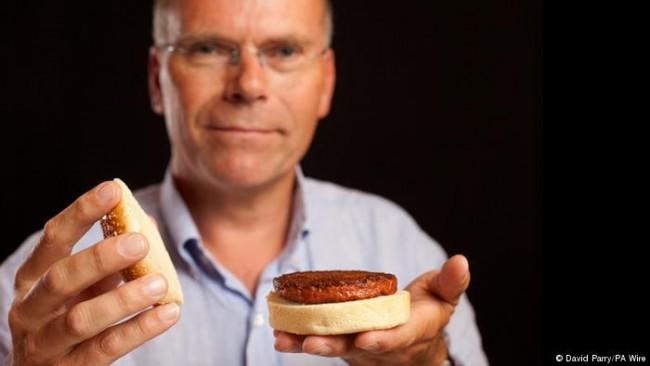 Carne in-vitro: primeiro hambúrguer de laboratório custou mais de 300 mil dólares para ser produzido em 2013