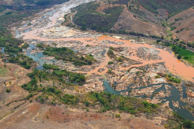 3287319819-barragem-lama-samarco-mariana-rio-doce-secom