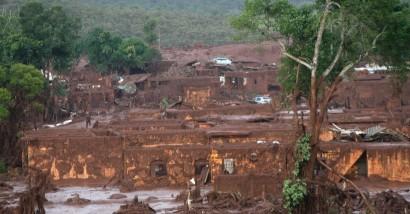 6nov2015rompimento-da-barragem-da-mineradora-samarco
