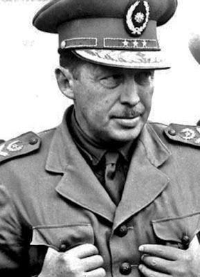 Alfredo Stroessner - Guardião de Hitler?