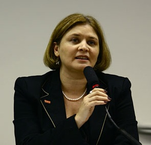 Denise-Motta-Dau