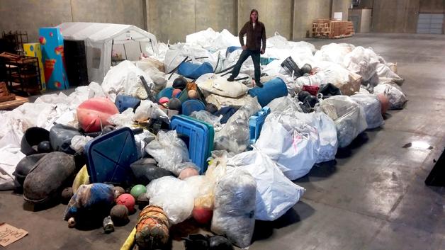 Plásticos recolhidos do oceano pela Ocean Legacy para reaproveitamento pela Lush