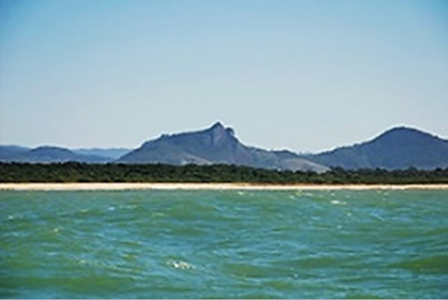 Onde agora há mar na praia de Setiba, no Espírito Santo, o solo já esteve exposto ( Leonardo Merçon/Instituto Ultimos Refugios)