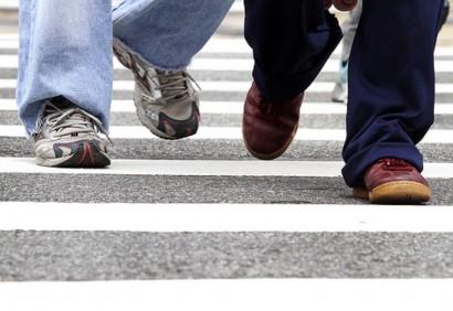 Pedestres atravessam na faixa de cruzamento da rua da Consolação. Data: 13/05/2011 Local: São Paulo/SP Foto: Ciete Silvério/A2 Fotografia