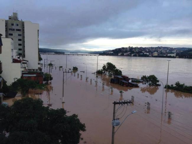 riodoce-inundacao