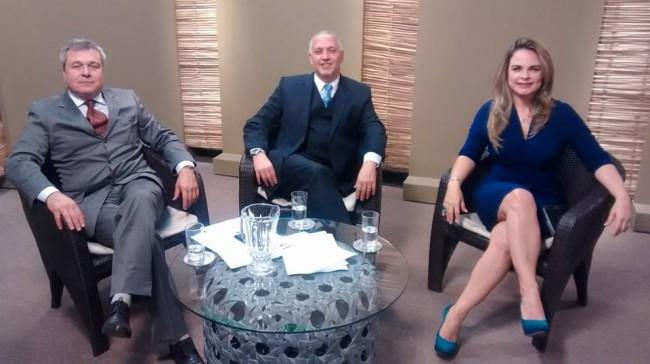 Liliane Ventura, Pinheiro Pedro e Horácio Peralta fazem a direfença no rádio FM e TV digital.