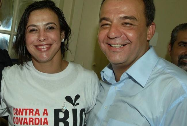 17-03-2010; Rio de Janeiro; Governador Sérgio Cabral, Primeira Dama Adriana Ancelmo e Xuxa no ato público contra a covardia em defesa do rio; Foto: Carlos Magno
