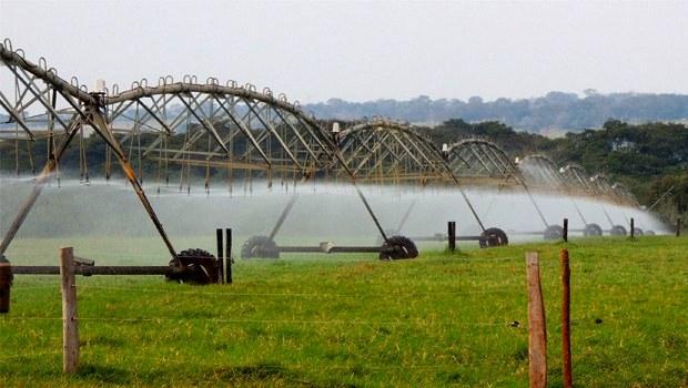 Pivô central em ação: gasto de água com irrigação em uma única propriedade rural pode superar o consumo de uma cidade inteira | Divulgação