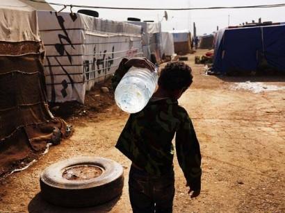 Água de fontes desconhecidas, causam contaminação, doenças e óbitos nas áreas de conflitos.