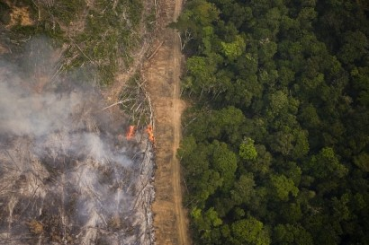 On a flight from Alta Floresta to Claudia with a view of the rainforest seen during the burning season when large sections of forest are set on fire by farmers to be cleared for soy farming or cattle breeding.