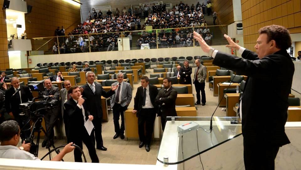 Deputado Campos Machado  do PTB em pronunciamento na ALESP-Assembléia Legislattiva do Estado de São Paulo