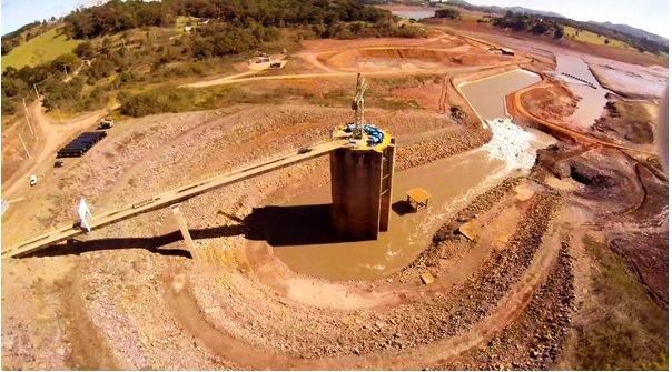 Ponto de captação que leva a água do volume morto da Represa Jaguari-Jacareí ao túnel 7 do Sistema Cantareira - Imagem reproduzida da internet.