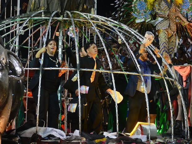 Desfile da MUG teve crítica à corrupção (Foto: Fernando Madeira/ A Gazeta)