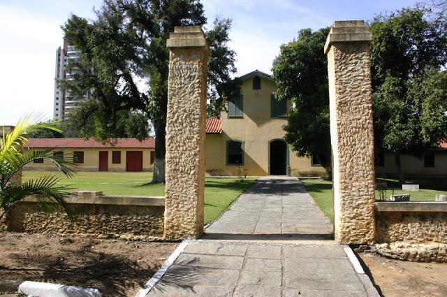 Sítio do Capão - Casa Grande, Capela e Senzala em um único conjunto arquitetônico, construído pelo Regente Feijó - bem tombado e restaurado