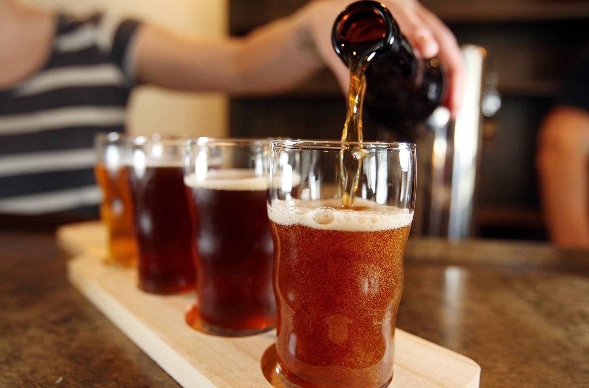 Resultado de imagem para fazendo cerveja