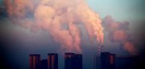 Uma usina térmica liberando densa fumaça no ar de Changchun, na província de Jilin, no Nordeste da China, em 22 de janeiro de 2013 (AFP/Getty Images)