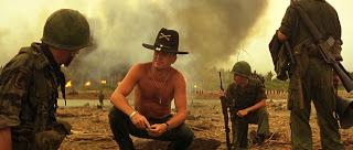 """""""o cheiro da guerra"""" - o napalm inspira diálogo épico no filme """"Apocalipse Now"""""""