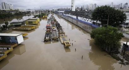 Foto mostra São Paulo após chuvas que atingiram a cidade em março de 2019 - Imagem Bruno Rocha / Estadão Conteúdo