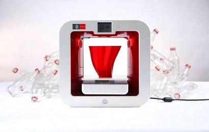 A EKOCYCLE Cube, impressora que funciona com garrafas pet.