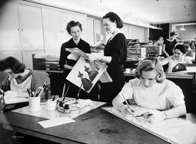 Coloristas dos estúdios Disney nos anos 50 (Foto: reprodução)