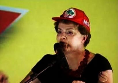 Dilma com boné do MST