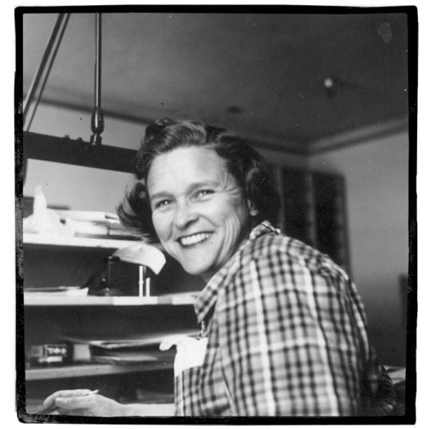 Ruthie Tompson na juventude. Imagem via Gerontologyy.wikia.org