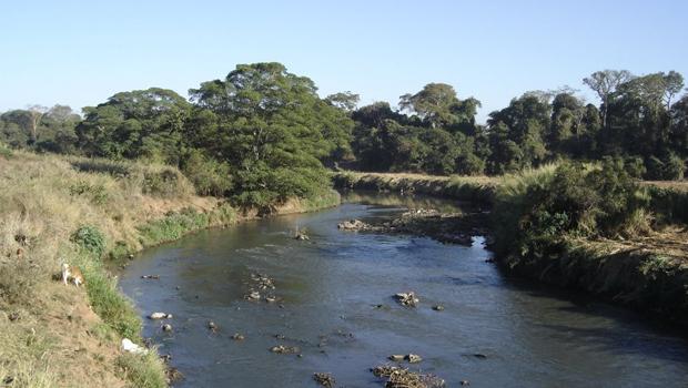 Rio Meia Ponte encontra-se com nível baixo de água  Divulgação