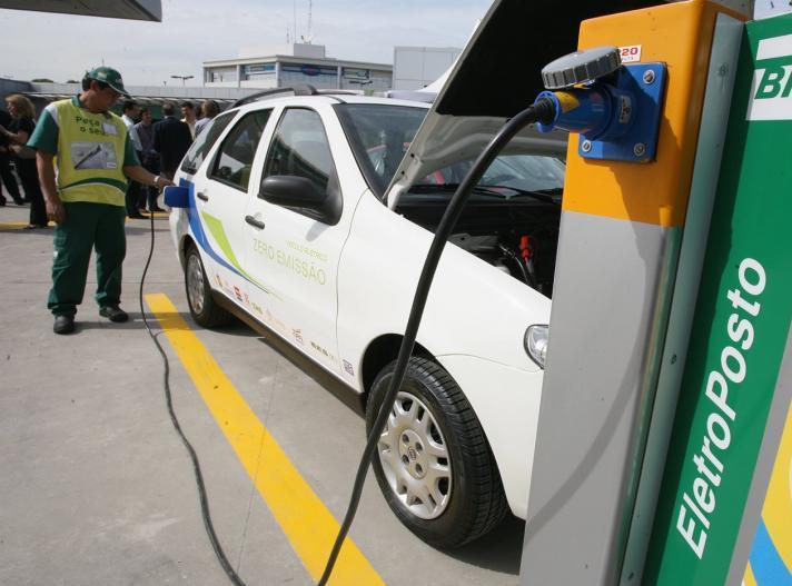1102a081760 Automóveis movidos a eletricidade deverão representar 16% da frota mundial  até 2030