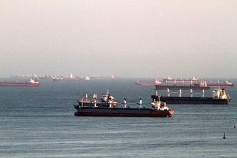 fila_navios_porto_de_santos[2]