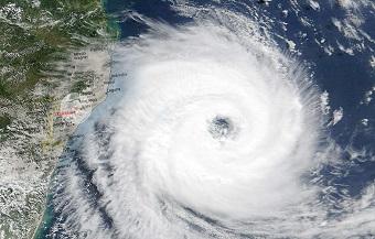 Furacão Catarina (foto) que levou medo para as populações do RS e SC em 2006: situação pode se repetir com mais frequência no futuro. (Imagem: Reprodução/Internet)