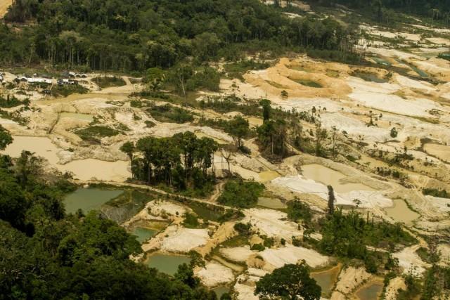 Garimpo ilegal em terra Munduruku - Imagem Greenpeace