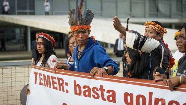 Indígenas fazem protesto exigindo o cumprimento da demarcação de suas terras: compromisso sempre adiado | Foto: Divulgação