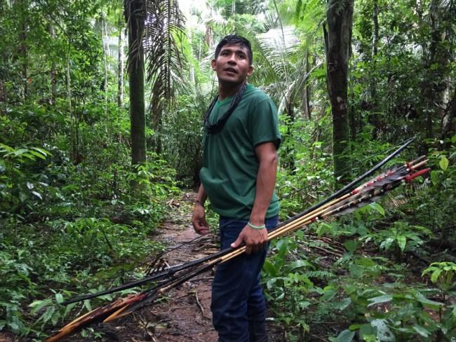 Awapu Wau Wau a caminho do local invadido pelos grileiros. Foto: Kanindé