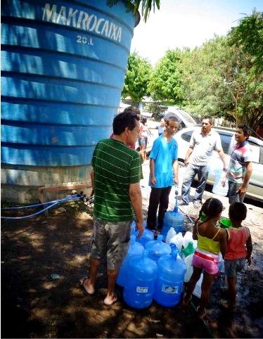 'Eu peguei água até de Sorocaba. Paguei R$ 100 por 1.500 litros. Aqui estão enfiando a faca – mil litros é R$120'.