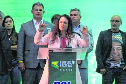 Janaína - elogiável presença, discordância bem vinda e raro exemplo de democracia em convenção
