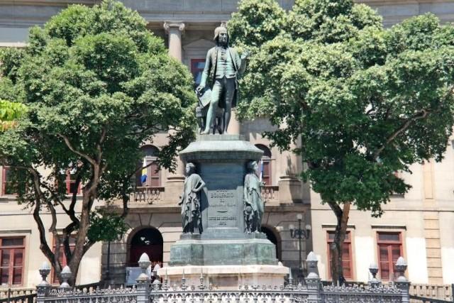 Estátua de José Bonifácio no Largo São Francisco de Paula, Centro, Rio de Janeiro