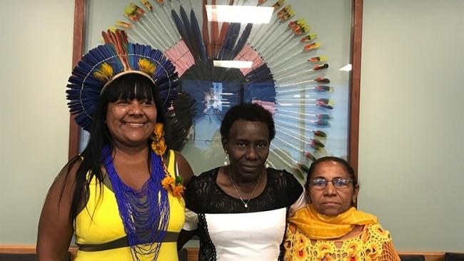Anália Tuxá, Lucely Morais e Maria do Socorro participam de reunião do projeto DGM, em Brasília. Foto: Banco Mundial/Juliana Braga
