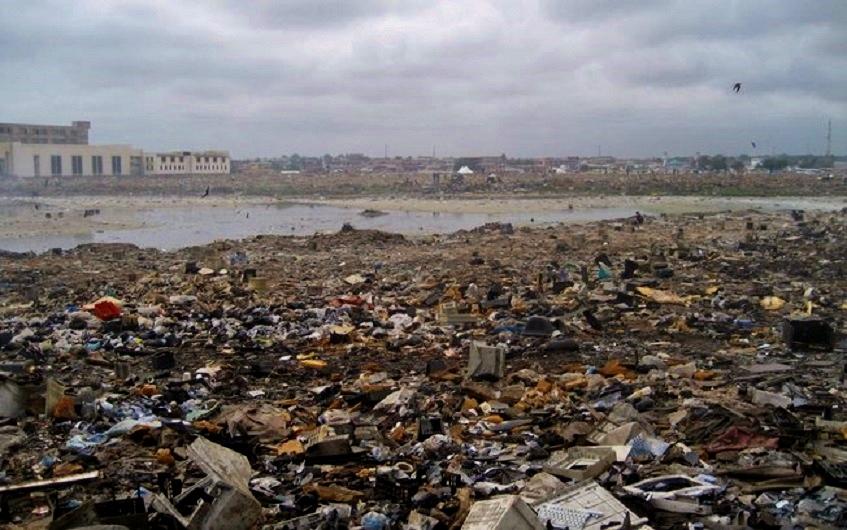 Descarte de lixo eletrônico em Acra - Capital de Gana