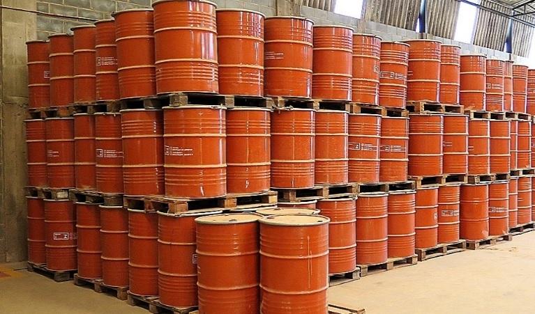 Lixo tóxico de outras empresas são reciclador e transformados em combustível alternativo, removedor de mancha, de graxa ou de cola, tinta para pintar superfícies de metal, como portões e portas, e cimento - Imagem Divulgação