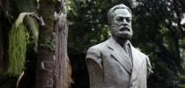 Busto de Luiz Gama no Largo do Arouche, São Paulo