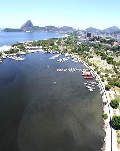 Águas contaminadas na Marina da Glória, sede das provas de vela nas Olimpíadas 2016 - Foto:Mário Moscatelli