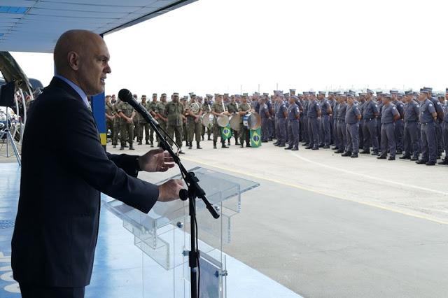 Ministro da Justiça e forças militares estaduais e federais - o Estado Brasileiro não deve hesitar