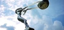 Obra do escultor italiano Lorenzo Quinn.