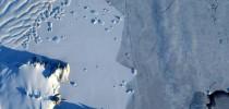 Um grupo de cientistas descobriu que 91 vulcões estavam escondidos dois quilômetros abaixo da superfície do manto de gelo que cobre a Antártida.(imagem NASA divulgação)