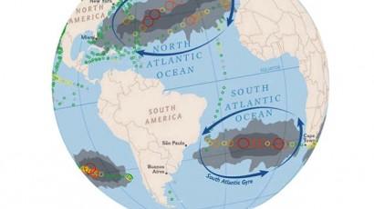 Mapa inédito do plástico nos oceanos. Os círculos indicam o número (em milhares) de itens de plástico por km quadrado