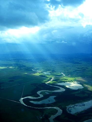Rio Paraiba do Sul, Aparecida do Norte-SP. - Imagem reproduzida da internet.