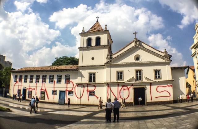 São Paulo 10/04/2018 Igreja do Pateo do Colégio amanhece pichada. Foto Paulo Pinto/FotosPublicas