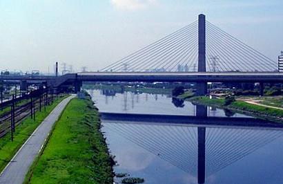 Rio Pinheiros em foto de 2005. (Fonte: Flickr)